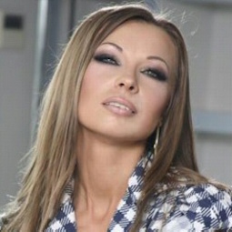 <span>Наталья</span><br> Морозова